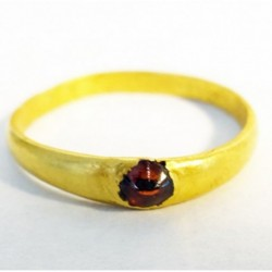 Antique Antiquity Medieval Gold Ring with Garnet 13th - 14th Century AD (ID:5660)