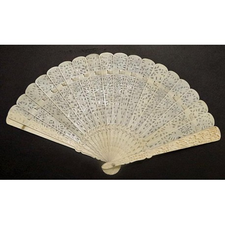 Antique Chinese Export Carved Ivory And Bone Brise Fan Eventail W Fan Box Id 5490