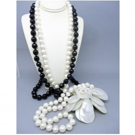 Sautoir Necklace Cultured Pearls Onyx & Enormous Mother of Pearl Flower (5878)