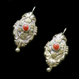 Antique Victorian Earrings 14k Gold Coral Repousse Foliage Scrolls (6548)